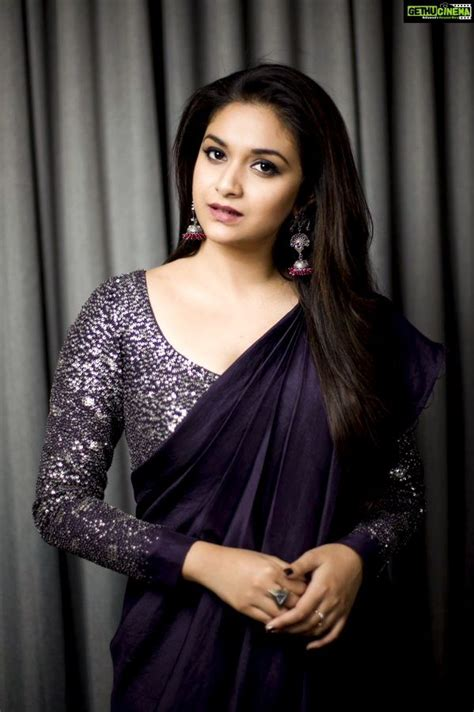 actress keerthy suresh  latest hd images saree