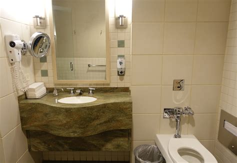 Shower Jfk by Review American Airlines Admirals Club Lounge Jfk