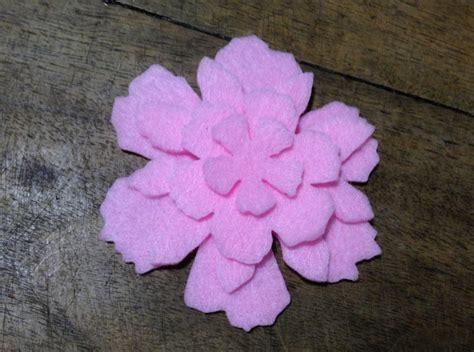 fiore in pannolenci fiore 3 in pannolenci materiali materiali fatti a