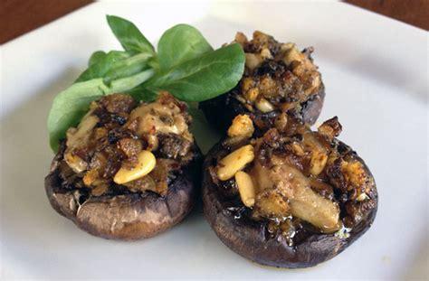 cucinare funghi coltivati funghi ripieni parliamo di cucina
