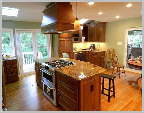 kitchen island stove best 25 kitchen island with stove ideas on