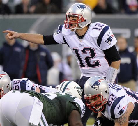 how much does tom brady bench press with playoffs looming patriots will do what s best