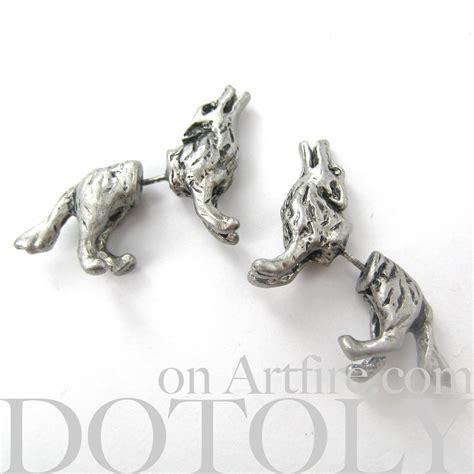 3d realistic wolf animal stud earrings in