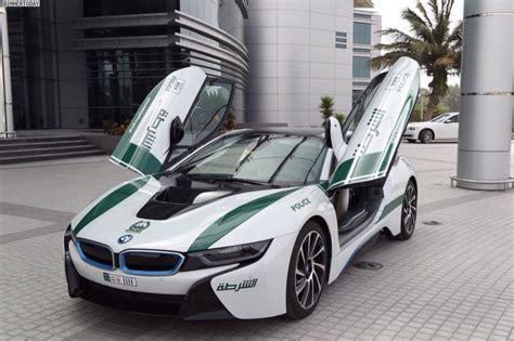 dubai bmw i8 als polizei auto der superlative im emirat