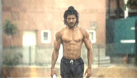 film bhag milkha bhag milkha runs and how run to your nearest theatre for bmb