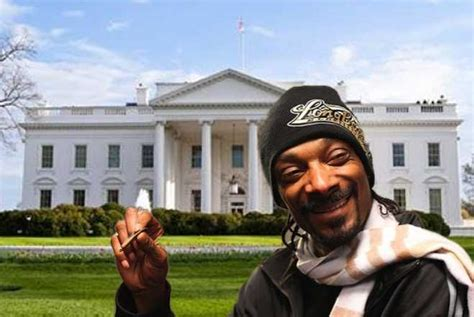 snoop dogs house snoop dogg i smoked weed in a white house bathroom