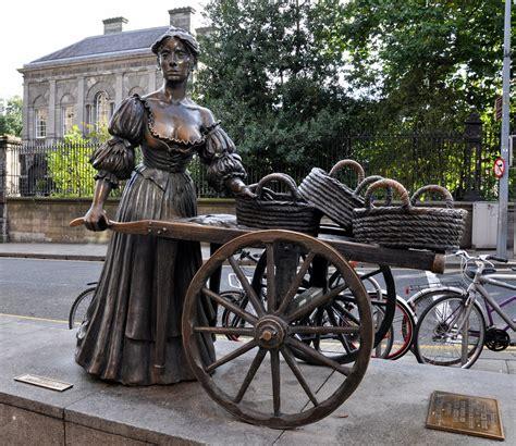 molly malone statue grafton street dublin artistic