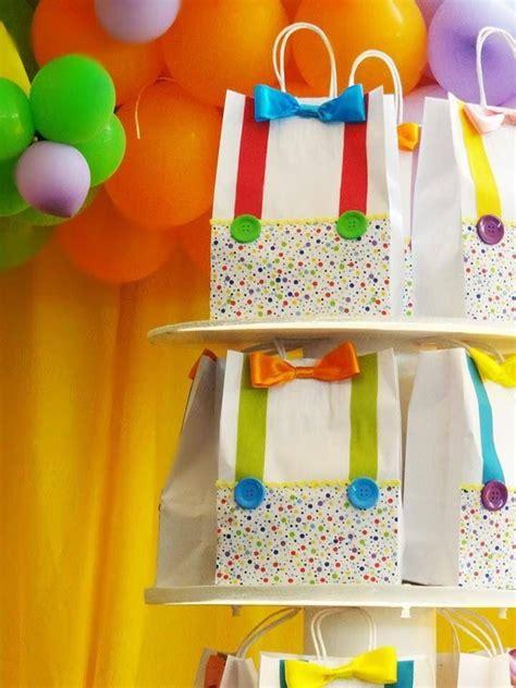 jogos de decorar notebook 25 melhores ideias sobre dia do circo no pinterest