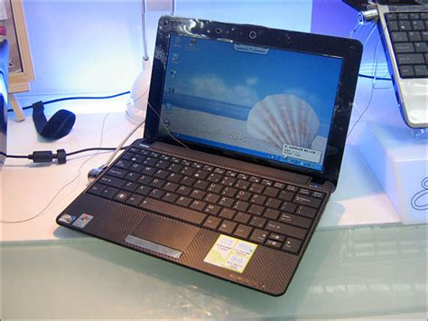 Linux On Asus Laptop asus eee pc 1001ha offers linux texturing slashgear