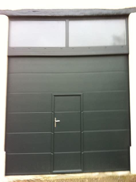 porte de garage sectionnelle avec portillon pas cher