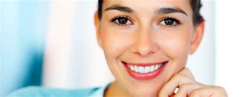 imagenes de bellas sonrisas ofertas en sonrisa bonita con un blanqueamiento dental led