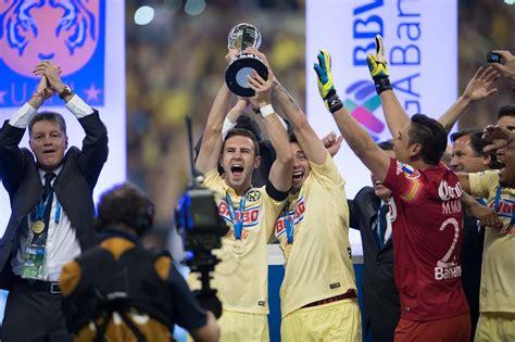 el capitan del america miguel layun alzo el trofeo de la liga mx miguel lay 250 n fue el mejor americanista del torneo club