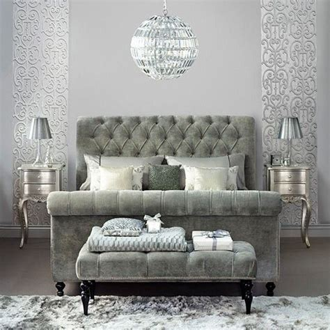 Bedroom With Grey Upholstered Bed Best 20 Sleigh Beds Ideas On
