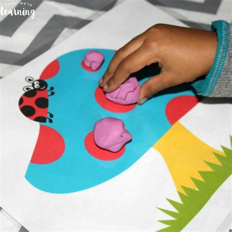 Daycare Play Mats by Free Ladybug Playdough Mats Look We Re Learning