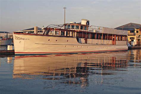 preserving jfks yacht honey fitz power motoryacht