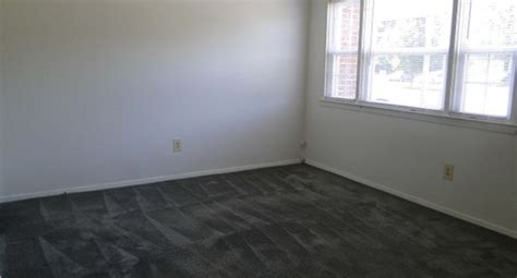 21222 Gray 2 In 1 gray townhomes 99 reviews dundalk md apartments