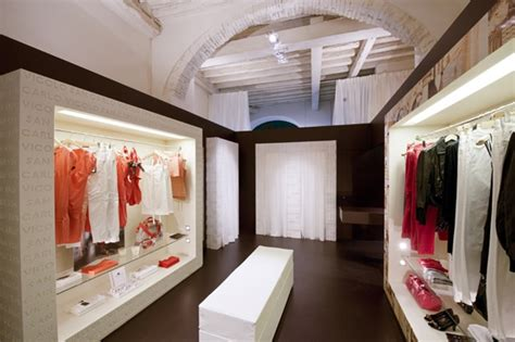 design dress outlet 17 best images about interior store design ideas on