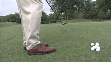 golf swing pitching hank haney on pitching the golf ball golf news and articles