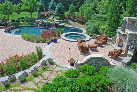Landscaping Pictures Home Maintenance Amp Luxury Landscaping Find The Best