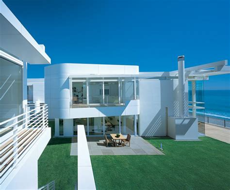 beach house backyard modern beach house with inside backyard iroonie com