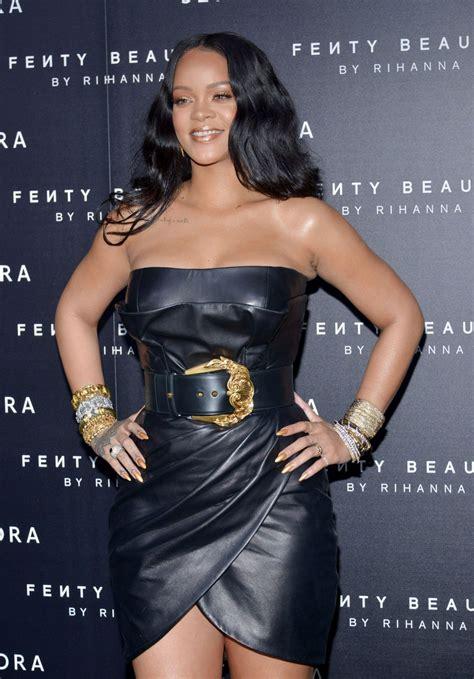 Fienty Rihanna 4 Rihanna At Fenty By Rihanna Makeup Launch In Milan 04 05