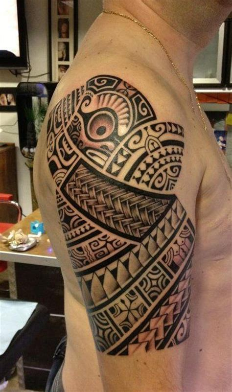 upper shoulder tattoo polynesian arm tatau ta moko