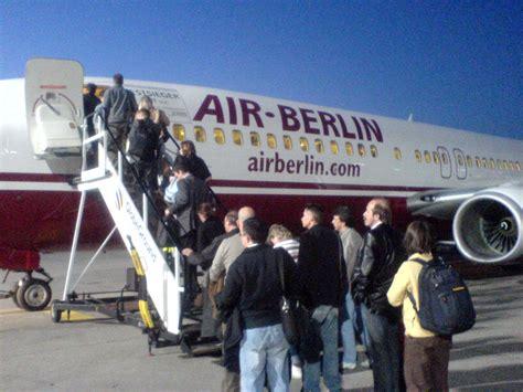 boarding wi file air berlin boarding apron jpg wikimedia commons