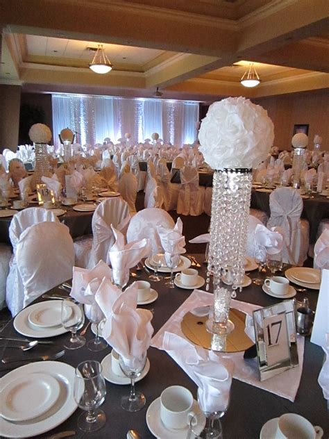 wedding table ideas no flowers white sparkle wedding bling centerpieces with white flower balls set the mood decor