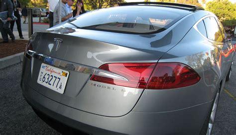 Buying Stock In Tesla Tesla Seeks To Raise 600 Million Through Stock Sale