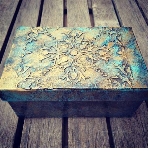 tecnicas para decorar cajas de carton c 243 mo reciclar y decorar una caja con pasta de relieve
