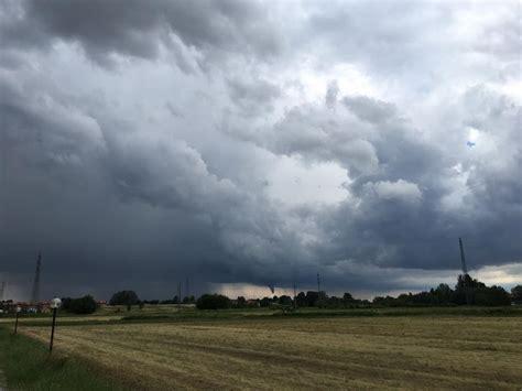 meteo aeronautica pavia maltempo codice giallo per rischio vento forte domani