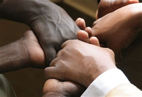 imagenes orando por otros uncion para las naciones hablar otras lenguas por el el