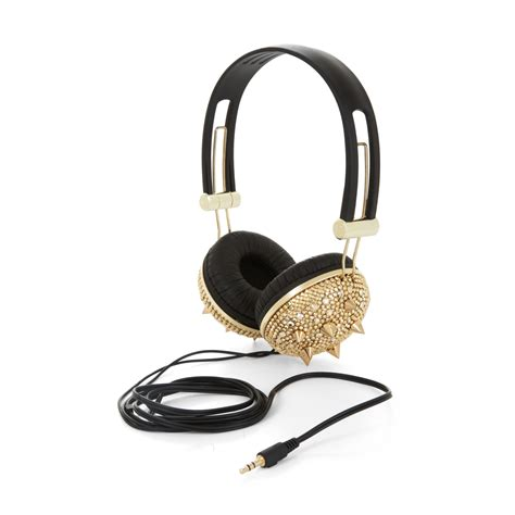 Headset Bluetooth Chanel Gucci 11 cuffie con borchie dorate studded hearphones redapple fashion magazine