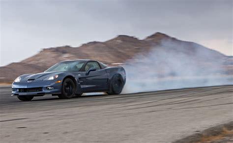 corvette zr1 burnout burnout test 2012 corvette zr1 vs 2013 srt