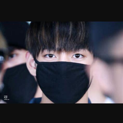 kim taehyung eyes taehyungs eyes appreciation kim taehyung amino