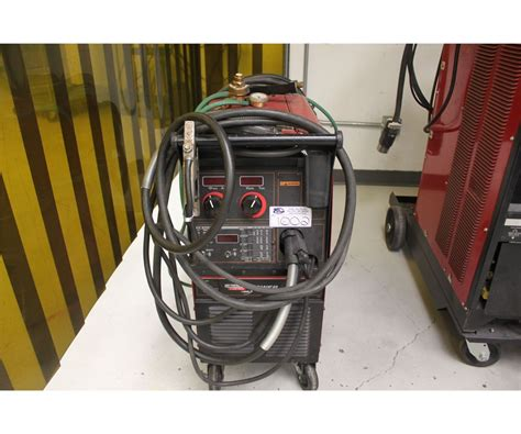 lincoln 300 welder lincoln electric power mig 300 mig welder able auctions