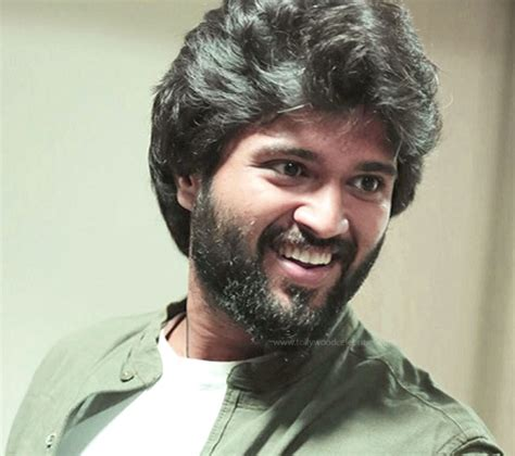 about actor vijay biodata vijay devarakonda profile biography family photos