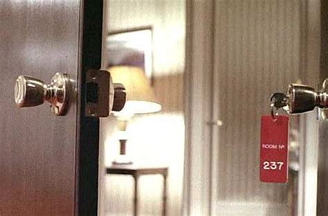 the shining room 237 retrocrush the world s greatest pop culture site