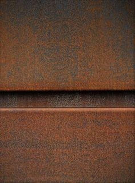 basilico piastrelle toni caldi aranciati corten al naturale particolare