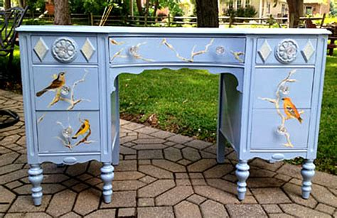 Diy Painted Desk 11 Diy Painted Office Furniture Projects The Graphics