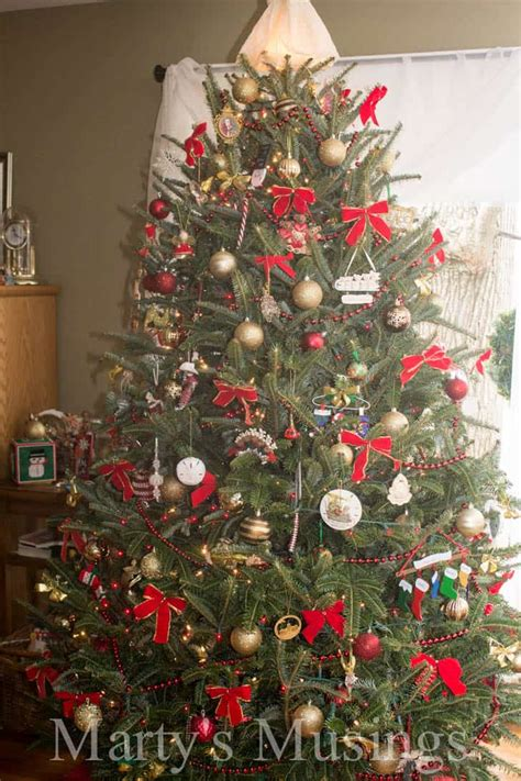 frugal christmas decorating ideas easy and thrifty decorating ideas