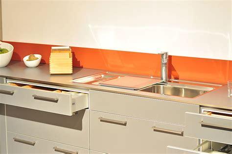 arbeitsplatte mit edelstahlkante siematic musterk 252 che siematic ausstellungsk 252 che in