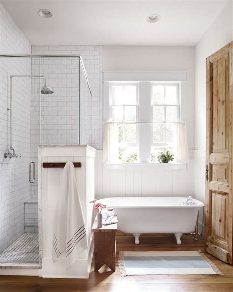 Country Master Bathroom Ideas 25 Best Ideas About Modern Country Bathrooms On Pinterest