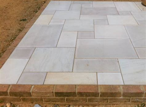 bondi sawn sandstone  sandblasted paving slabs rock