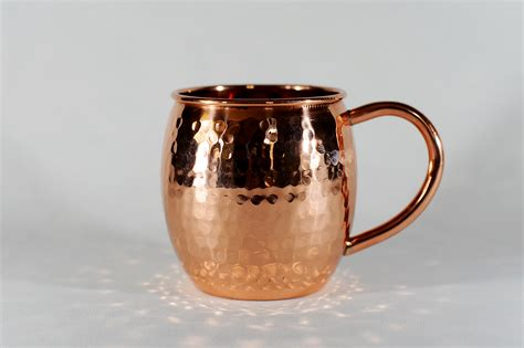 hammered copper mugs 16 oz barrel shaped hammered copper moscow mule mug 183 copper mugs 183 store powered by storenvy