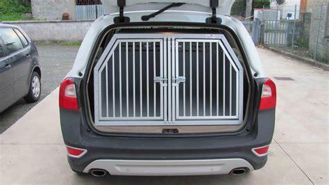 gabbie cani auto trasportini su misura trasportini per cani trasportini su