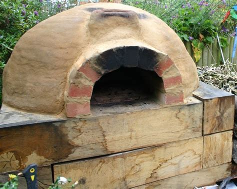 Build A Backyard Pizza Oven by How To Build A Clay Outdoor Oven By Antioxidant Ifood Tv