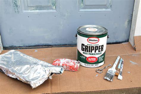 painting an exterior metal door how to paint a metal exterior door my colortopia