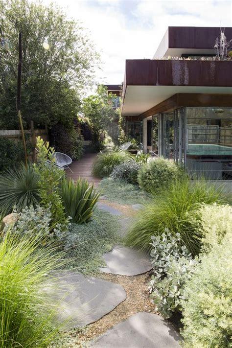 gartengestaltung pflegeleichte pflanzen gravel garden outdoor pflegeleichte