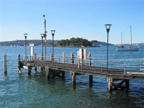 Sydney   City and Suburbs: Darling Point, ferry wharf